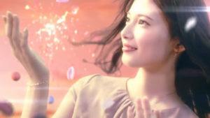 マルイ アナ雪CM女優の青島心が可愛いすぎる|クリスマスキャンペーンを彩るタイアップCMが話題に。